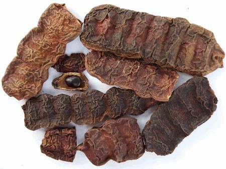 Шикакай обладает противовоспалительными, успокаивающими, охлаждающими, антисептическими, антибактериальными, питательными и смягчающими свойствами.
