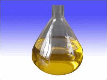 Камфорное масло содержит кетоны, оксиды и монотерпены.