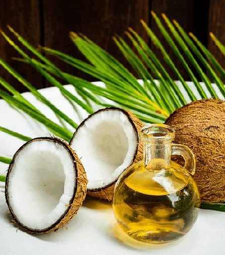 Из высушенной мякоти кокоса методом холодного прессования получают ценный продукт — кокосовое масло, которое бывает рафинированным и нерафинированным.