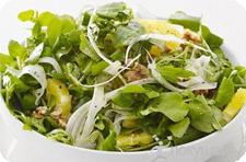 Свежая зелень салат