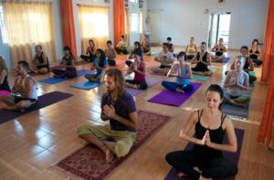 Йога в Индии, 22.01 - 1.02.2018, штат Керала, г. Варкала. Для ранее не практиковавших йогу — это увлекательное путешествие и открытие для себя безграничного океана йоги, наполненного счастьем и гармонией.