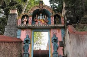 Йога в Индии, 22.01 - 1.02.2018, штат Керала, г. Варкала. В Варкале и окрестностях находятся многие древние храмы, ашрамы (монастыри) и места силы.